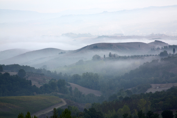 Fog over the Val d'Elsa, looking from Montaione toward Castelfiorentino