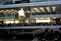 The Apple Store looked like this every time we went by!
